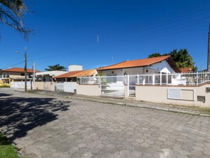 Conheça Casa de Piscina Rio  Jacuí